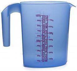 Odmerka plastová oválna 1.5 L